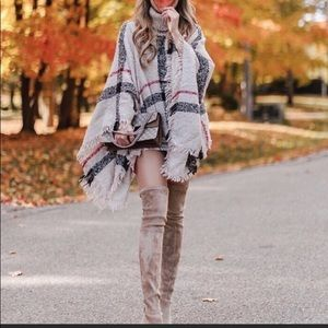 Sweaters - Plaid Fall Stylish Oatmeal Poncho Must Have 🍁